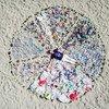 Entre os dez itens mais encontrados nas praias brasileiras estão restos de cigarro, tampas de garrafa, canudos, garrafas plásticas e sacolas plásticas.
