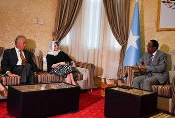 Rosemary DiCarlo, the United Nations Under-Secretary-General for Political Affairs, and Michael Keating (left), the Special Representative of the UN Secretary-General for Somalia, meet the Federal President of Somalia, Mohamed Abdullahi Mohamed Farmaajo, at the Presidential Palace in Mogadishu on 7 June 2018.