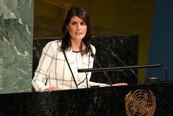 Embaixadora dos Estados Unidos junto da ONU, Nikki Haley, discursa na Assembleia Geral.
