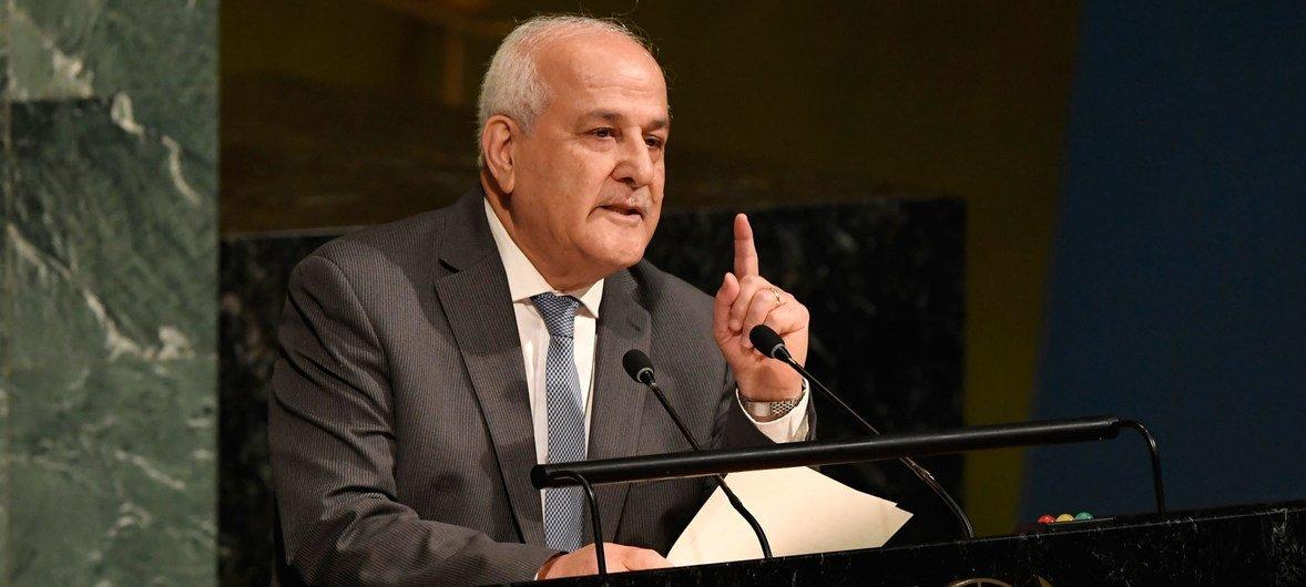 Постоянный наблюдатель Палестины при ООН Рияд Мансур заявил, что резолюцию вынесли на голосование в Генассамблее в связи с тем, что в Совбезе она не прошла из-за вето одного из постоянных членов.