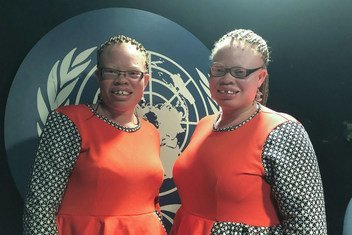 Mawuse Yakor-Hamidu (left) and her twin sister Mawunyo Yakor-Dagbah (right) at the UN News studios in UN Headquarters in New York.