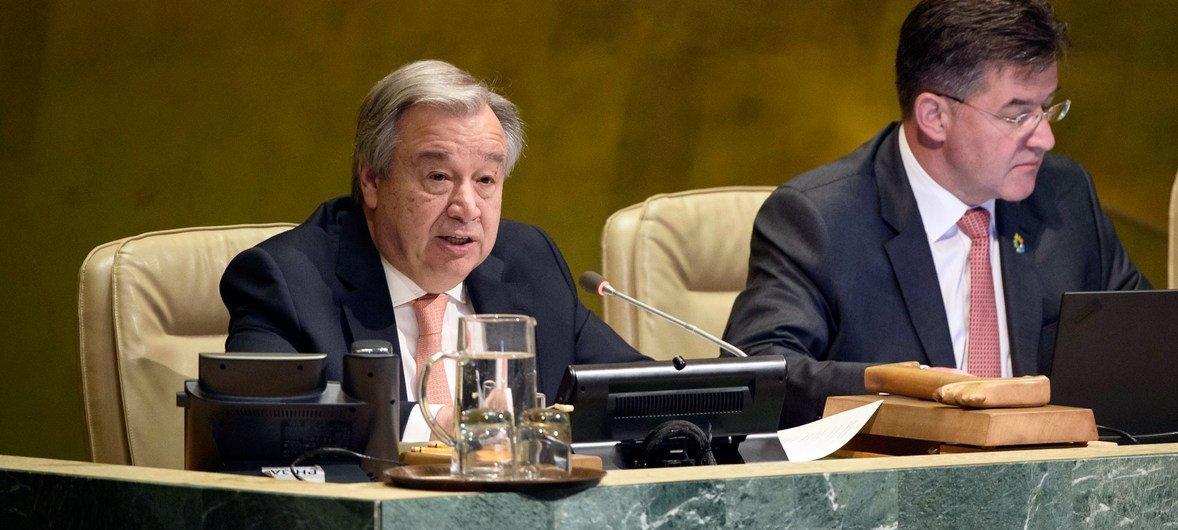 古特雷斯秘书长在联大有关针对战争罪、种族清洗和危害人类罪行履行保护责任的会议上发表讲话。