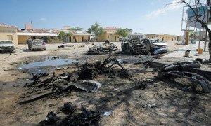 """Архивное фото: результаты теракта """"Аль-Каиды"""" в столице Сомали Могадишо"""