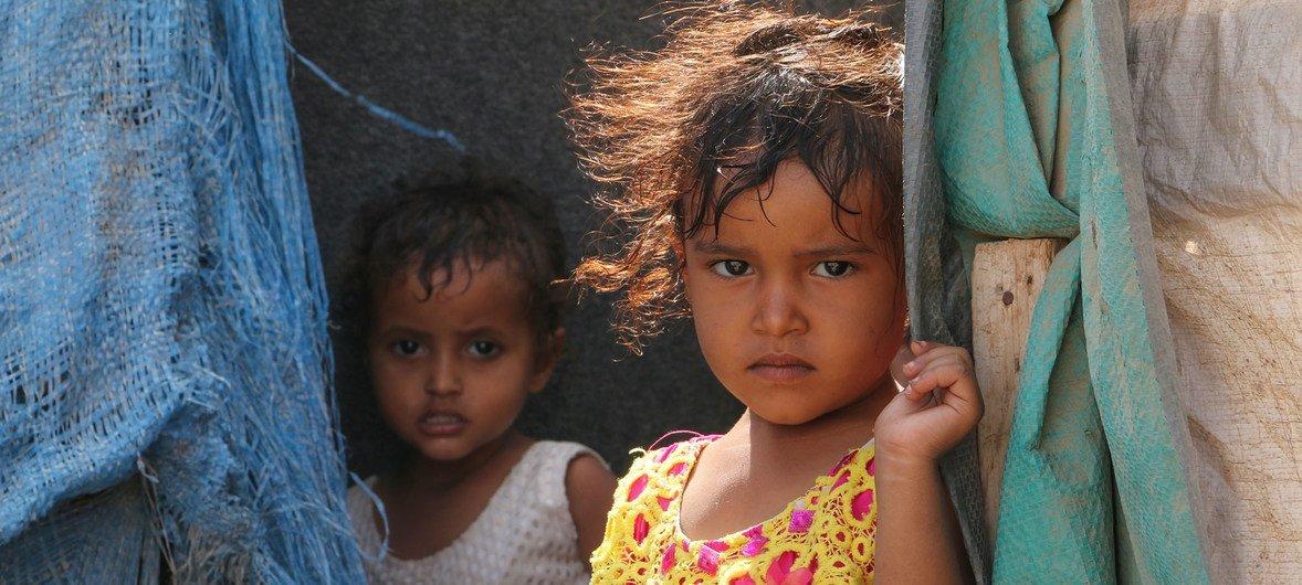 也门南部港口城市亚丁,因冲突而流离失所的儿童。