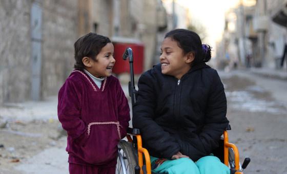 Cerca de metade das crianças com deficiência não vai à escola.