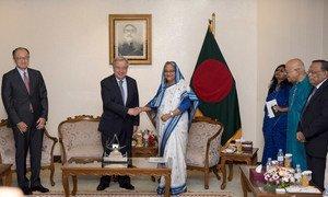 Генеральный секретарь ООН Антониу Гутерриш в столице Бангладеш Дакка, где он встретился с премьер-министром страны Шейхом Хасиной