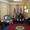 Naibu Katibu Mkuu UN, Amina J. Mohammed (wa 2 kushoto) akikutana na Rais Salva Kiir wa Sudan Kusini (wa 2 kulia). Kushoto kwa Bi. Mohammed ni Bineta Diop mjumbe maalum wa AU wa Wanawake, Amani na Usalama.