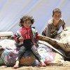 सीरिया के दरा इलाक़े में बढ़ती हिंसा के बीच, परिवार सुरक्षा की ख़ातिर वहाँ से भाग रहे हैं और दक्षिणी-पश्चिमी सीमावर्ती इलाक़े में शिविर बनाए जा रहे हैं.