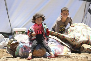 Families fleeing escalating violence in Deraa set up tents on the southwestern borders of Syria. (file)