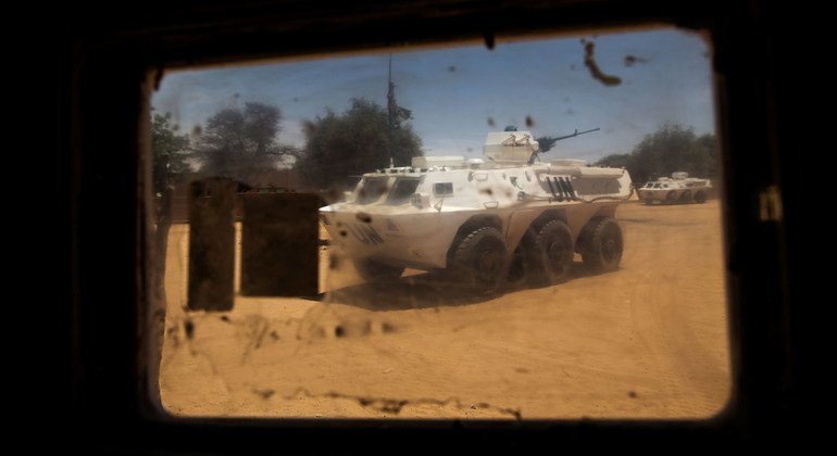 In May 2018, a UN team led by human rights officers travelled to the Menaka region in northern Mali to investigate armed attacks, in which at least 47 people were killed. Armored Personnel Carriers (APCs) of the Niger Contingent serving with MINUSMA are s