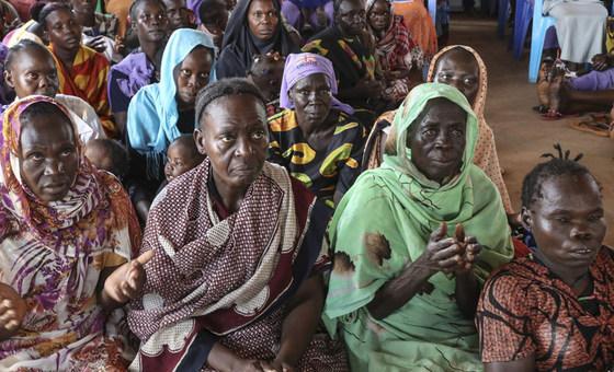 نساء من جنوب السودان ممن عانين من أعمال عنف مروعة يتحدثن عن تجاربهن مع وفد زائر من الأمم المتحدة. 3 يوليو 2018.