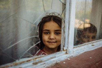 أطفال سوريون، تتلقى أسرتهم مساعدات المنظمة الدولية للهجرة في تركيا.
