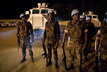 来自马拉维的维和人员还在联合国在西非国家科特迪瓦的维和行动中服役。联合国科特迪瓦行动已成功完成使命。