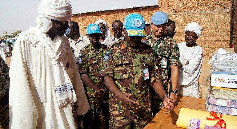 In April 2018, Lieutenant-General Ngondi handed over rehabilitated classrooms, an office and educational material to Al Bashir Basic School for boys in the Abu Shouk area, in El Fasher, North Darfur. The project, implemented by UNAMID peacekeepers, is part of the mission's continued support to boosting education across Darfur.