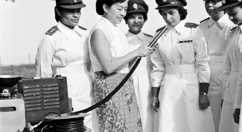 Women from the Indian Armed Forces Medical Services are interviewed before being deployed to the United Nations Operation in the Congo in 1960.