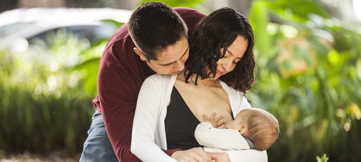 La lactancia es esencial para el buen desarrollo de los niños.
