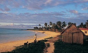 As pessoas que vivem no arquipélago de Comores, no Oceano Índico, precisam se adaptar às mudanças climáticas.