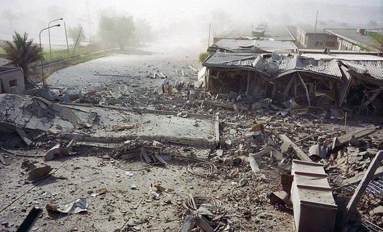 مبنى الأمم المتحدة في بغداد تعرض لهجوم بسارة مفخخة في الـ 19 من آب / أغسطس عام 2003.