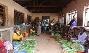 Wachuuzi wa mboga kwenye soko Yambio jimbo la Gbudue nchini Sudan Kusini
