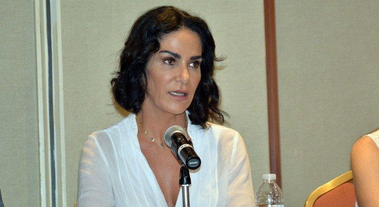 El Comité de Derechos Humanos de las Naciones Unidas emitió una decisión reconociendo la violación de los diferentes derechos humanos de la periodista Lydia Cacho por el Estado mexicano después de su detención arbitraria en 2005.