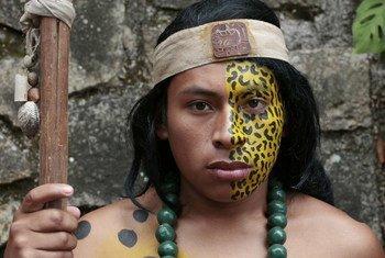 """Miembro de la comunidad indígena de """"Copán Ruinas"""" en Honduras."""