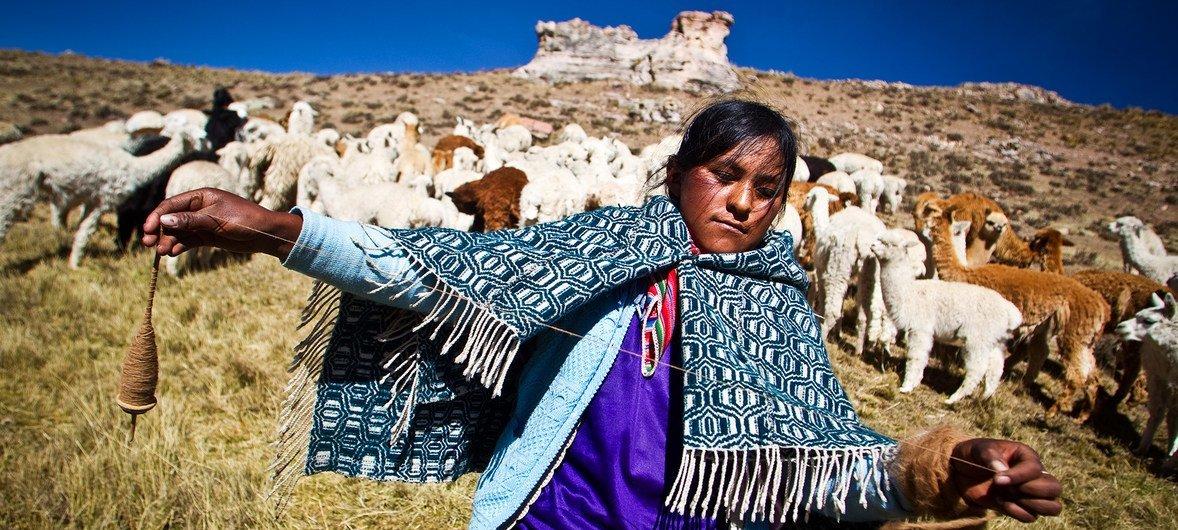 秘鲁的一名克丘亚土著妇女。