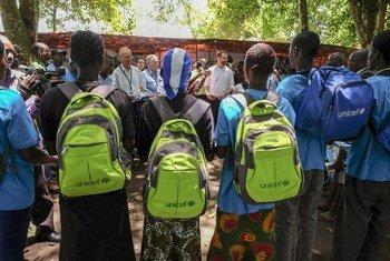 No total, 9.272 estabelecimentos de ensino foram fechados este ano em nove países: Burquina Fasso, Camarões, Chade, República Centro-Africana, República Democrática do Congo, Mali, Níger e Nigéria.
