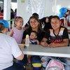 逃离粮食短缺和不稳定的委内瑞拉人抵达巴西边境帕卡拉马市(Pacaraima)的一个接待和登记中心。