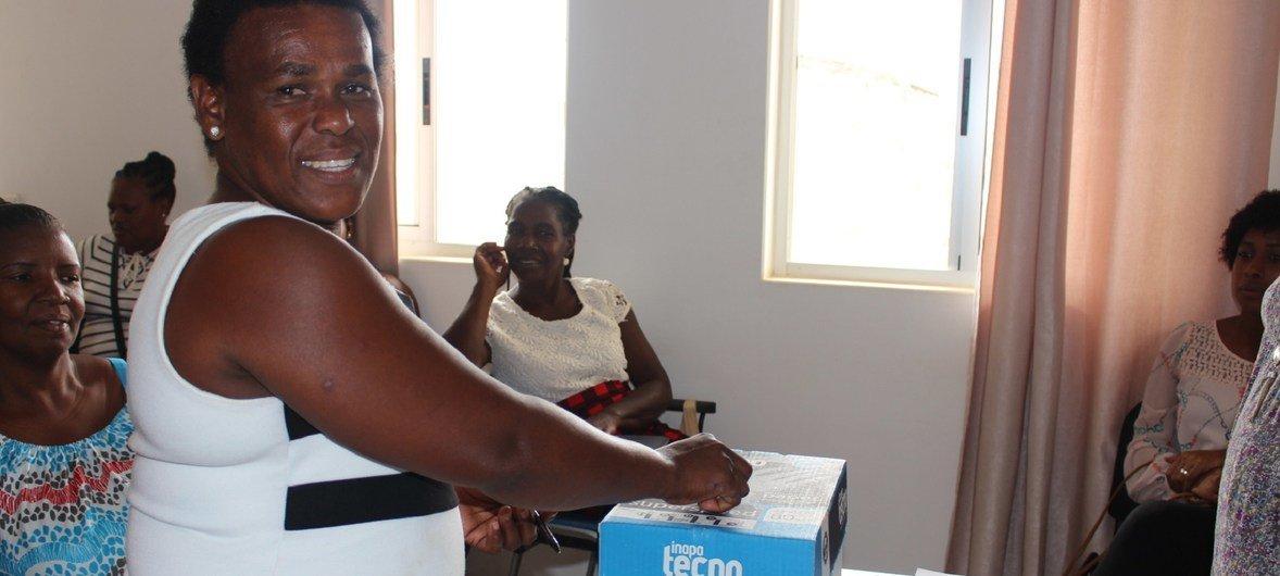 Comité recomenda que as autoridades cabo-verdianas intensifiquem seus esforços para aumentar a consciência do público em geral.