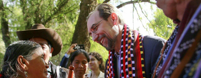 Le Haut Commissaire des Nations Unies aux droits de l'homme, Zeid Ra'ad Al Hussein, écoute des militants et des victimes lors d'une visite officielle au Guatemala. Novembre 2017.