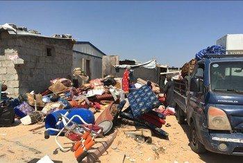 Жители Триполи пытаются спастись от столкновений между вооруженными группировками. Фото из архива.