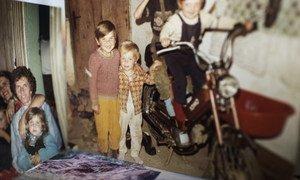 Несколько фотографий - все, что осталось у З.Б. на память о родителях и братьях