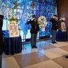 Генеральный секретарь ООН Антониу Гутерриш возложил венок к портрету Кофи Аннана