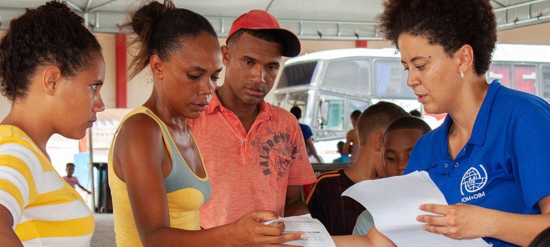 Des Vénézuéliens ayant trouvé refuge à Boa Vista, dans le nord du Brésil, sont réinstallés à Sao Paulo et dans d'autres villes brésiliennes (mai 2018).