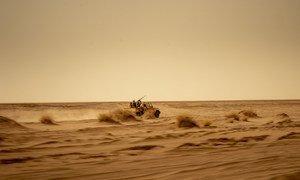 L'armée nigérienne patrouille dans le désert du Sahara pour cibler des groupes terroristes, notamment l'EIIL et Boko Haram.