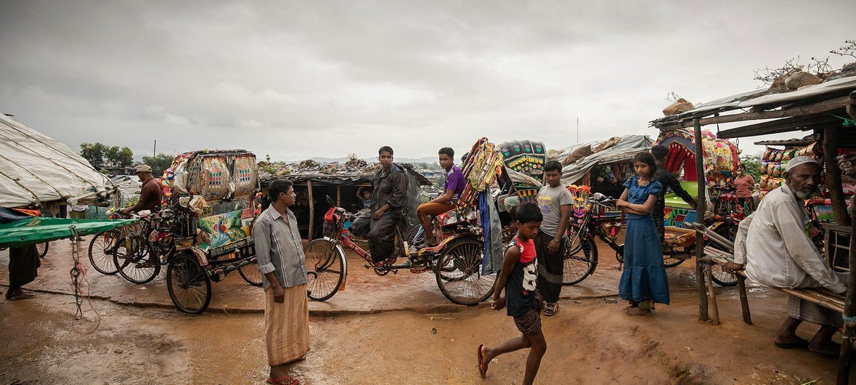 逃离缅甸一年之后,罗兴亚难民仍生活在孟加拉国的考克斯巴扎地区。