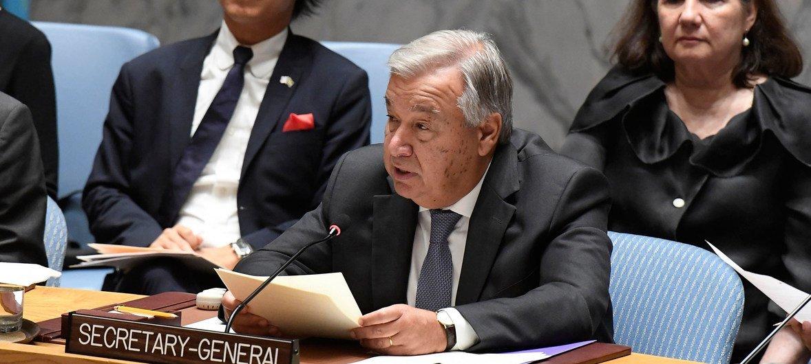 Secretário-geral António Guterres discursando na reunião do Conselho de Segurança que destacou a mediação.