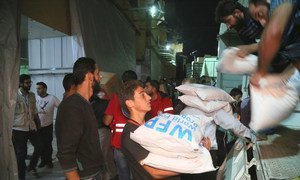 In this file photo, WFP delivers emergency aid to locations in rural Idlib. Amid fears of a Government offensive there, the UN is warning of a possible humanitarian catastrophe.