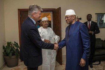 Le Secrétaire général adjoint des Nations Unies pour les opérations de maintien de la paix, Jean-Pierre Lacroix, rencontre le Premier ministre malien Soumeylou B. Maïga.