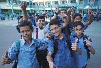 Kareem Abu Kwaik, chef du parlement des élèves des écoles de l'UNRWA, et ses amis retournent à l'école à la fin du mois d'août 2018.