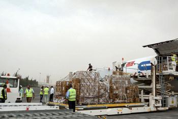 منظمة الصحة العالمية تنقل جوا أكثر من 500 طن من الأدوية الأساسية والإمدادات الطبية إلى اليمن