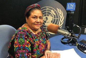 La líder indígena y premio Nobel de la paz Rigoberta Menchú durante la entrevista con Noticias ONU