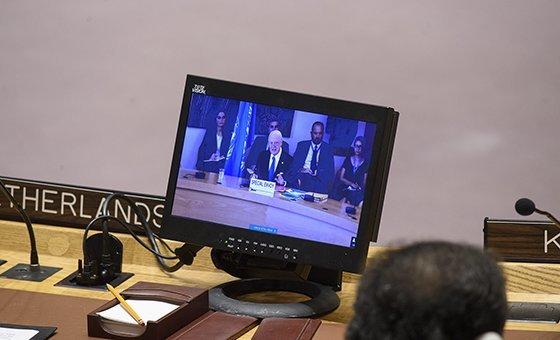 Staffan de Mistura (on screen), UN Special Envoy for Syria, briefs the Security Council on the situation in the Middle East.
