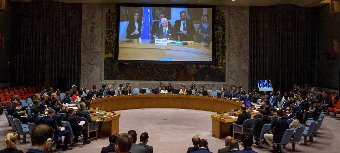 L'Envoyé spécial de l'ONU pour la Syrie, Staffan de Mistura, s'adresse par visioconférence au Conseil de sécurité sur la situation dans le pays.