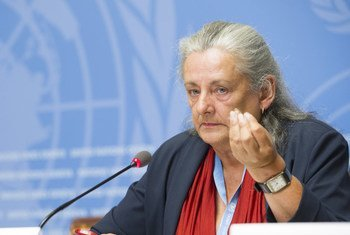 Françoise Hampson, Member of the UN Commission of Inquiry on Burundi, briefs the press at Palais des Nations. 5 September 2018.
