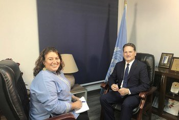 بيير كرينبول، المفوض العام لوكالة الإونروا، أثناء إجراء لقاء مع مركز الأمم المتحدة للإعلام في القاهرة