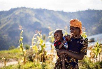 Les populations les plus pauvres et les plus vulnérables du Rwanda ont bénéficié du concept de «village vert», visant à résoudre les problèmes de ressources naturelles du pays, notamment la déforestation, l'utilisation des terres non durable.