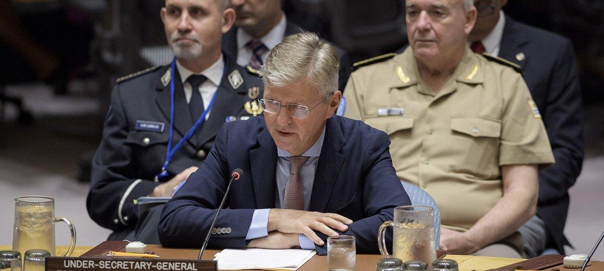 联合国负责维和事务的副秘书长拉克鲁瓦今天在安理会有关维和改革的会议上发言。