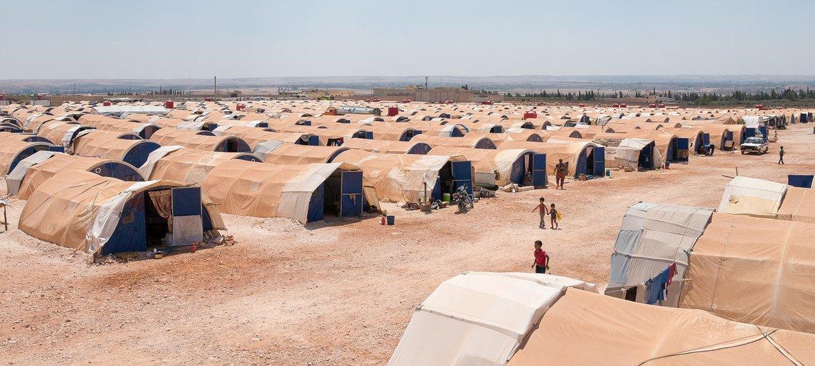 Campo de deslocados em Aleppo, na Síria, para habitantes de Afrin.