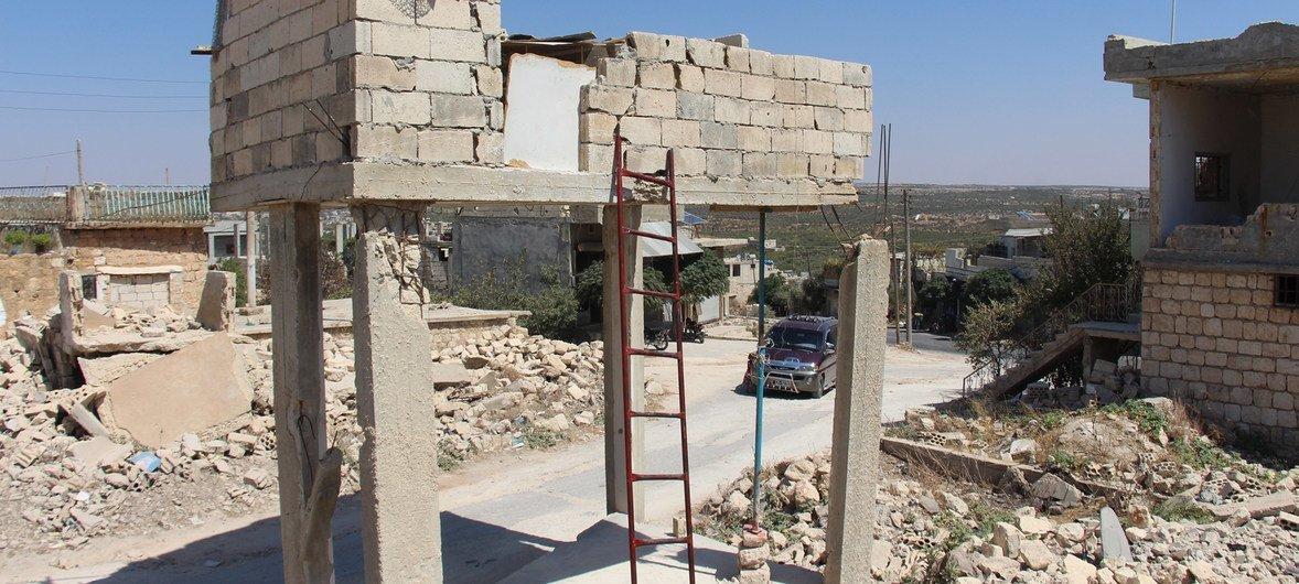 دمار في محافظة إدلب بسبب الأزمة السورية.